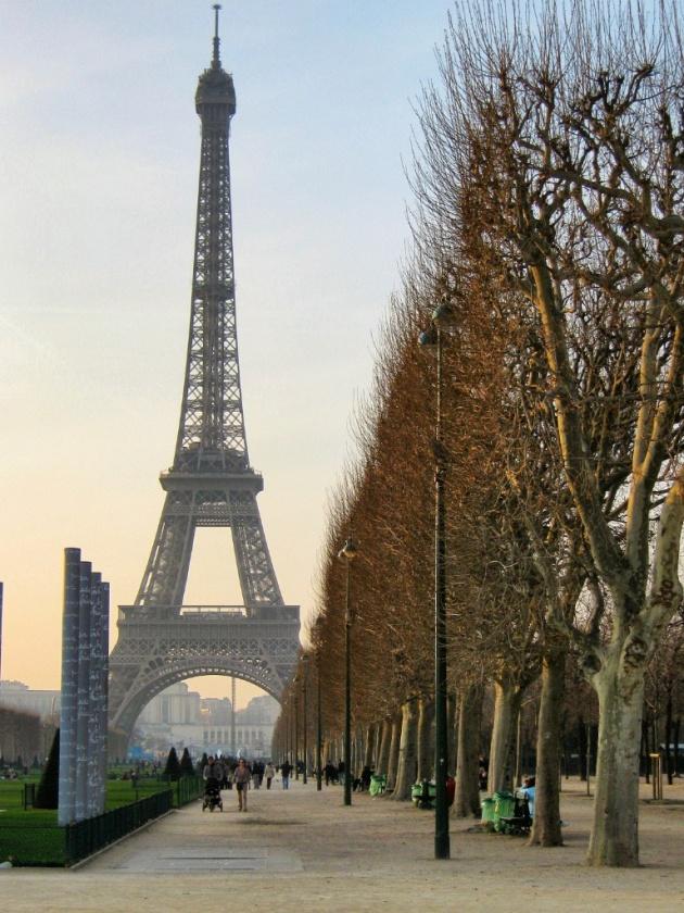 Eiffel-Tower-Paris-3